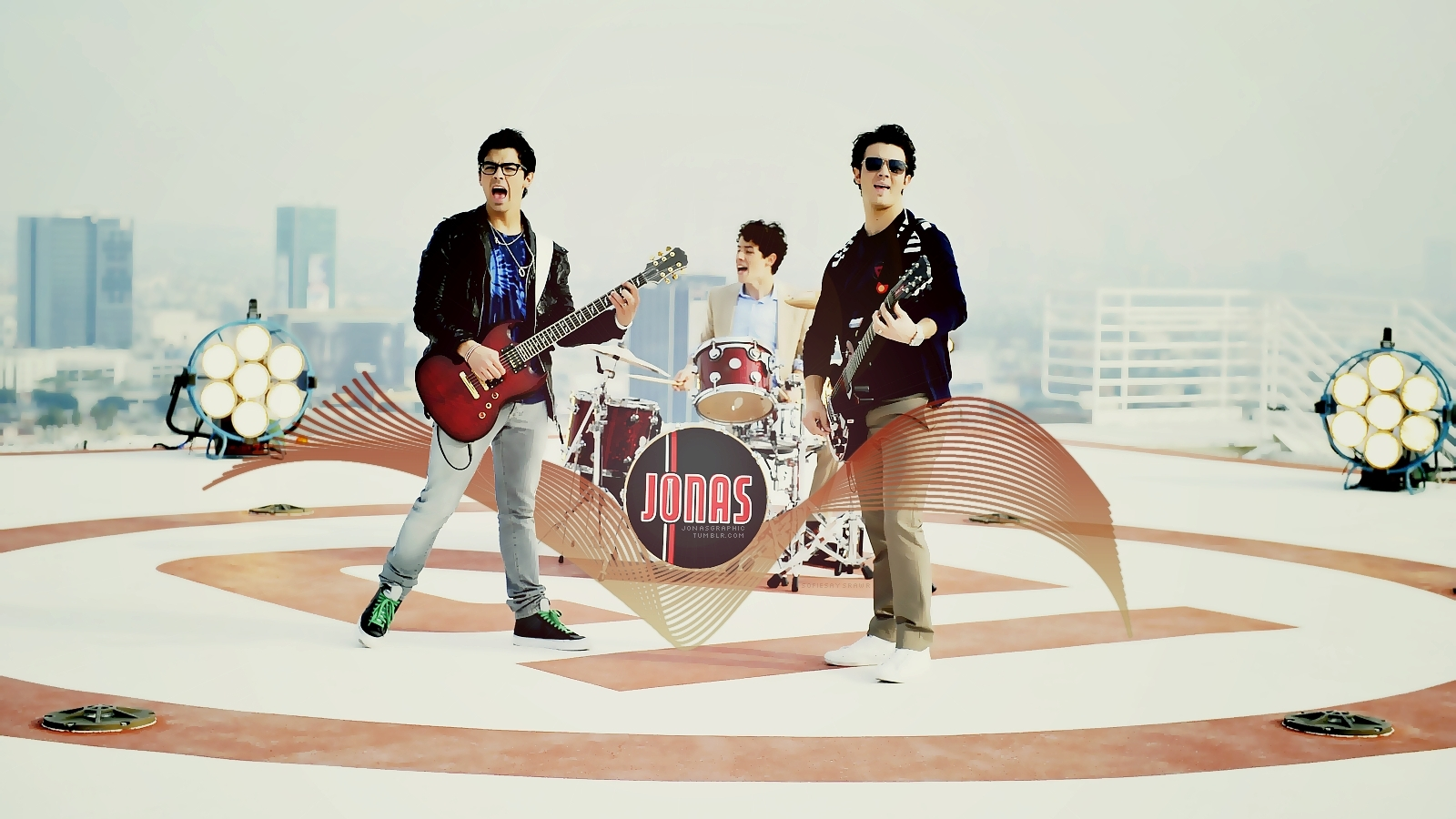 http://images2.fanpop.com/image/photos/14300000/JONAS-LA-Wallpaper-jonas-la-14333656-1600-900.jpg
