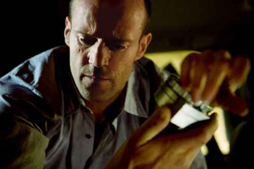 Jason Statham Hintergrund called Jason in The Transporter 3