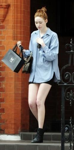Karen Gillan out in Londra (July 13)