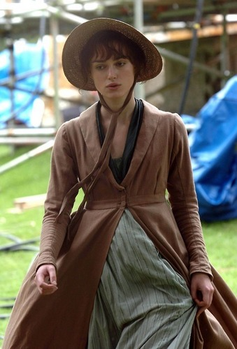 Pride and Prejudice wallpaper titled Keira Knightley - BTS - Elizabeth Bennet