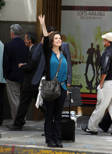 Sela Ward on Set