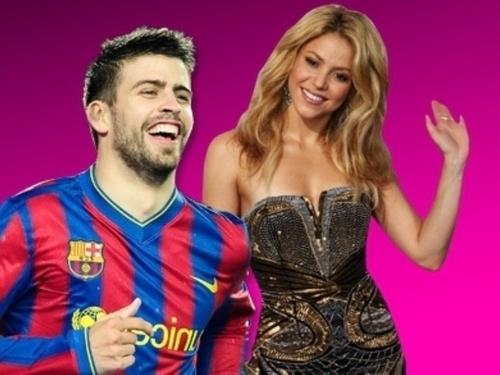 Шакира (33) and new lover he football world champion, and Barcelona defender Gerard Piqué (23)