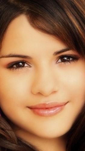 selena sweet ♥...........