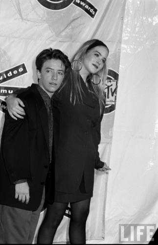 Actors David Faustino and Christina Applegate in August 1990 (12)