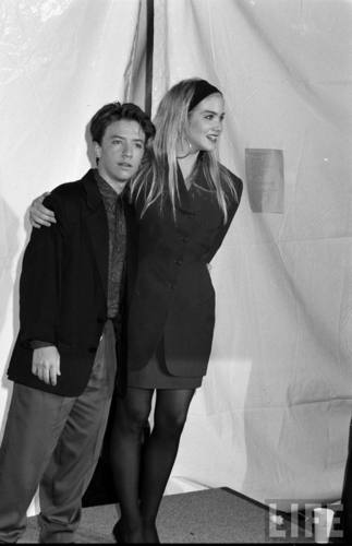 Actors David Faustino and Christina Applegate in August 1990 (4)
