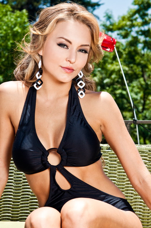http://images2.fanpop.com/image/photos/14400000/Angelique-Session-angelique-boyer-14455410-533-800.jpg