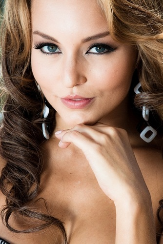 http://images2.fanpop.com/image/photos/14400000/Angelique-angelique-boyer-14455703-334-500.jpg