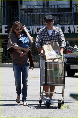 Ellen Pompeo Has A Whole Foods Family