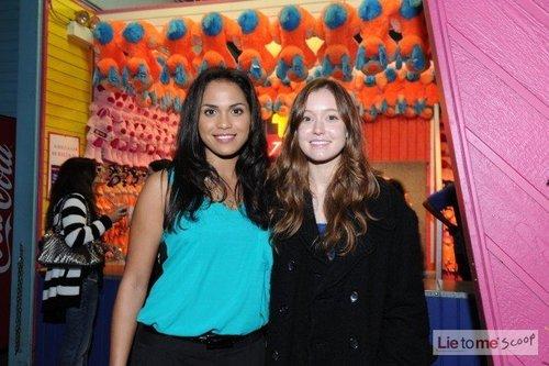 Monica Raymund & Hayley McFarland @ the 2010 শিয়াল TCA All তারকা Party
