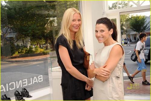 Gwyneth Paltrow: Baby Buggy with Jessica Seinfeld!