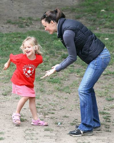 Jen and Ben took violet and Seraphina to the Park!