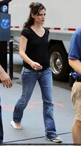Jen on the set of 'Arthur'