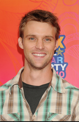 Jesse Spencer @ the rubah, fox TCA All bintang Party (August 2, 2010)