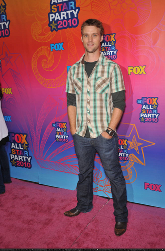 Jesse Spencer @ the fox, mbweha TCA All nyota Party (August 2, 2010)