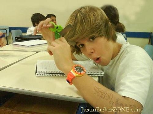 Justin's look alike!!! Theo Cavalcanti.