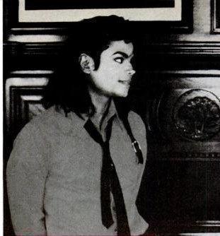 The Bad Era kertas dinding called MICHAEL