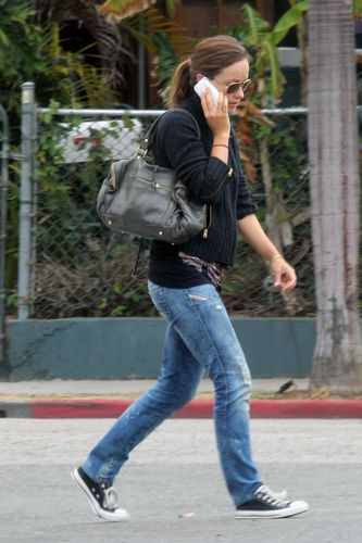 OLIVIA WILDE- Olivia Wilde out in Venice - August 2, 2010