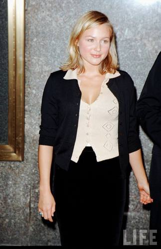 Singer Jewel in 1996
