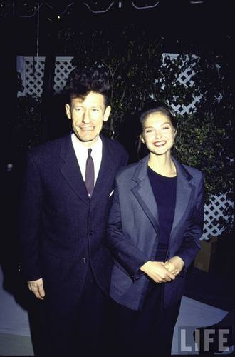 Singer Lyle Lovett and Actress Ashley Judd in 1992 (1)