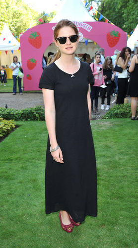 Bonnie Wright wallpaper entitled Toy Story 3 After Party -London