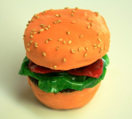hamburger as कप केक