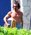 johnny depp-01 aug 2010 - Hawaii