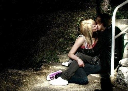 عکس بوسه ولب عاشقانه