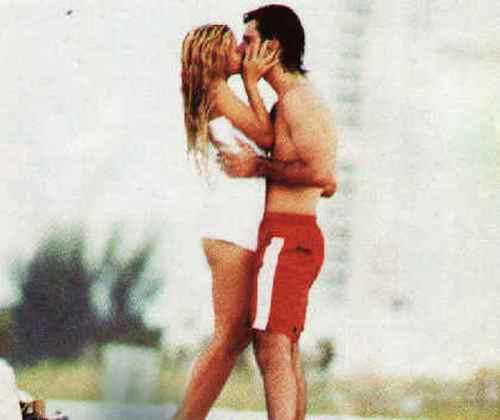 shakira antonio hot kiss
