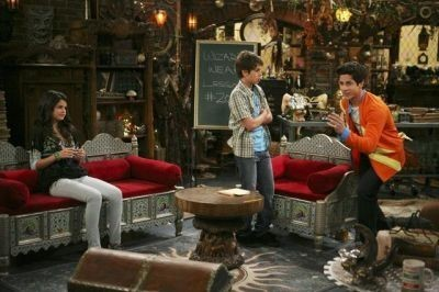 wizards of waverly place(WOWP)