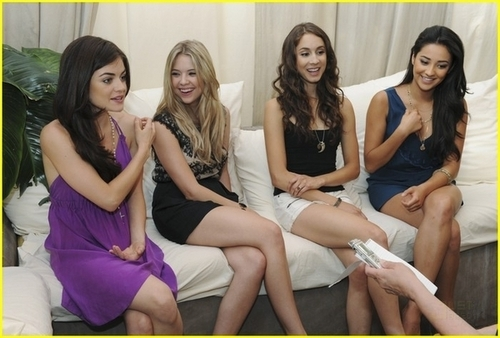 """Pretty Little Liars"" Press Junket"