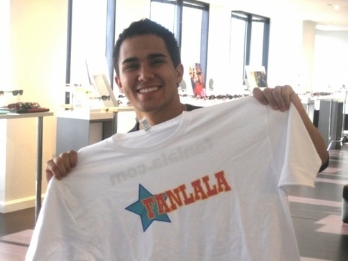 Carlos: I pag-ibig My Fanala T-Shirt!!