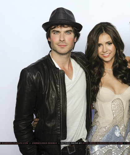Ian &amp; Nina @ Teen Choice Awards (HQ) - ian-somerhalder-and-nina-dobrev Photo