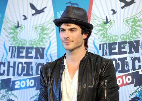 Ian somerhalder @ Teen choice awards 2010