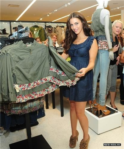 Jessica @ Charlotte Russe Santa Monica Store Opening and pet adopt-a-thon