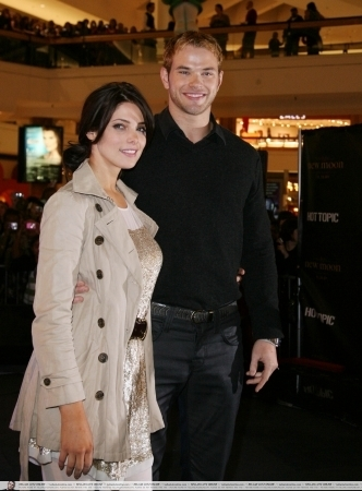 Kellan Lutz and Ashley Greene