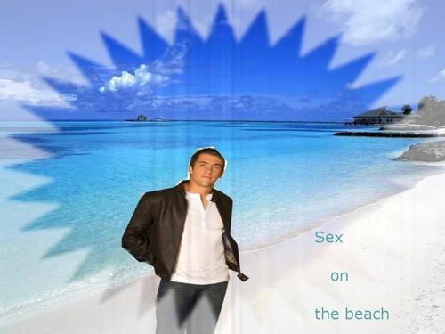Life's a ساحل سمندر, بیچ