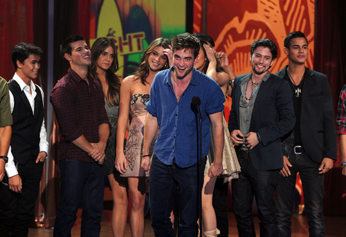 Nikki @ Teen Choice Awards with Twilight Saga Cast
