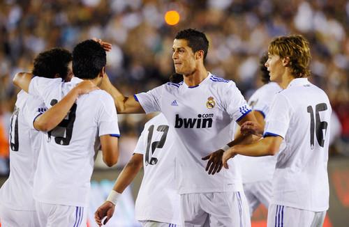 Real Madrid vs LAGalaxy (3-2)