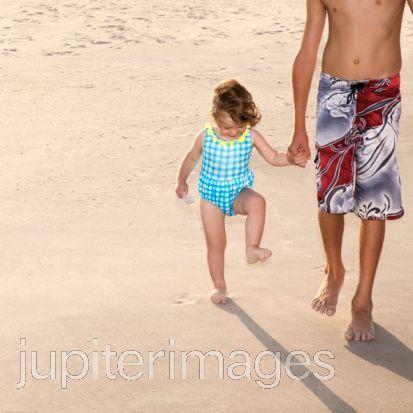 Renesmee and Jacob at LaPush beach, pwani