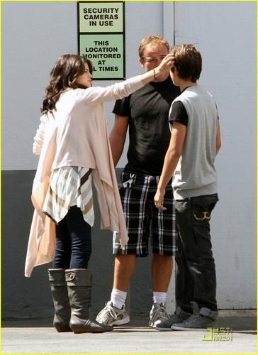 Selena Gomez & Jake T. Austin: Hugs, Hugs, Hugs!