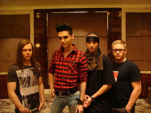 Tokio Hotel 壁纸 entitled Tokio Hotel-Singapore-2010