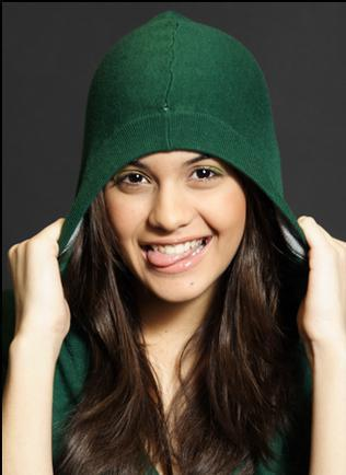 US স্কিন্স্‌ - Sofia Black D'Elia as চা