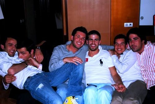 piqué and gays - gerard-pique Photo