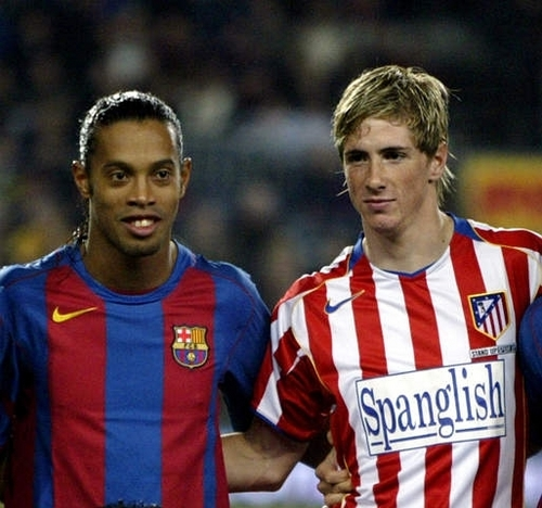 ronaldinho and torres - fernando-torres Photo
