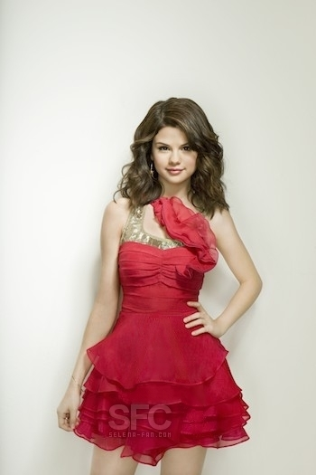 selena gomez cute. sel tooooo cute - Selena Gomez