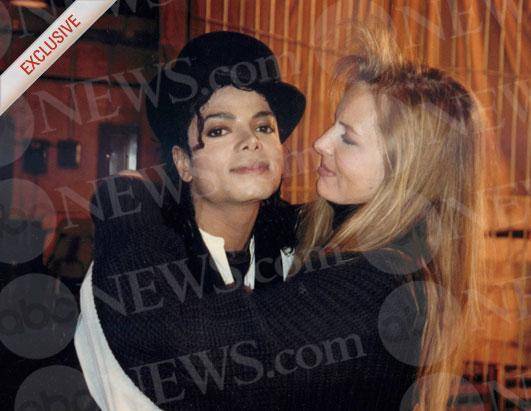 http://images2.fanpop.com/image/photos/14500000/with-Karen-Faye-michael-jackson-14522507-531-411.jpg