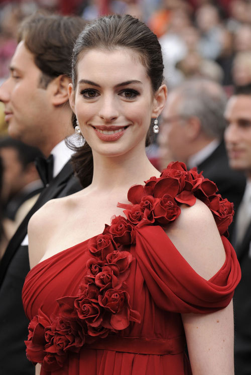 celebrity dresses Anne Hathaway