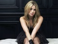Ashley Benson kertas dinding