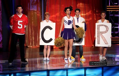 Cory @ 2010 Teen Choice Awards - tunjuk