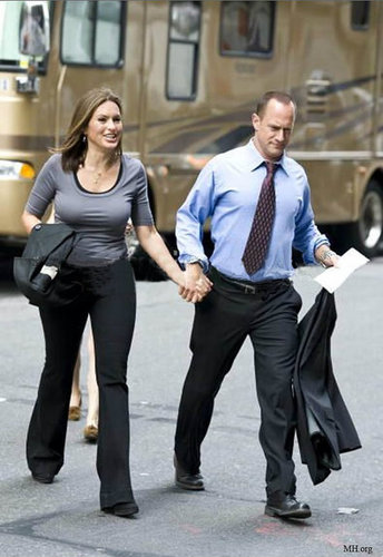 Elliot&Olivia on set 2010